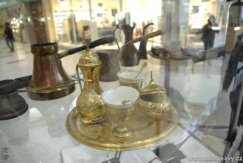 vybavení na přípravu turecké kávy z džezvy
