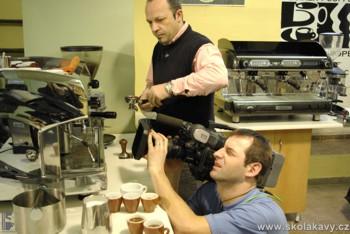 natáčení přípravy espressa