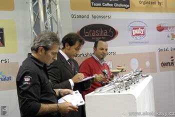 Roberto v porotě soutěže SCAE European Team Coffee Challenge
