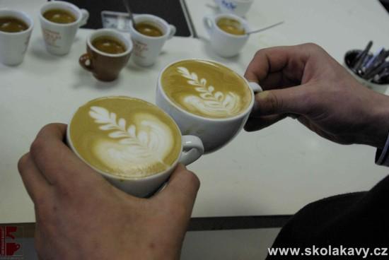 trénink techniky latte art