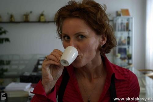 Nejprve degustace a pak vychutnávání kávy ve fy. Sandalj - Itálie
